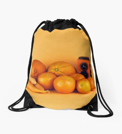 Stillleben der orange Karotten Turnbeutel
