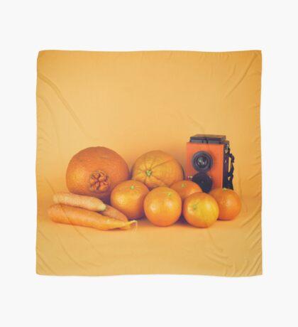 Stillleben der orange Karotten Tuch