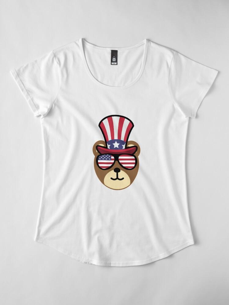 Vista alternativa de Camiseta premium de cuello ancho Bear Happy 4th Of July