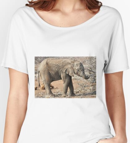 Hungry Baby Elephant -  THE AFRICAN ELEPHANT – Loxodonta africana Women's Relaxed Fit T-Shirt
