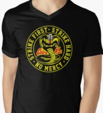 Kobra Kai 3 T-Shirt mit V-Ausschnitt für Männer