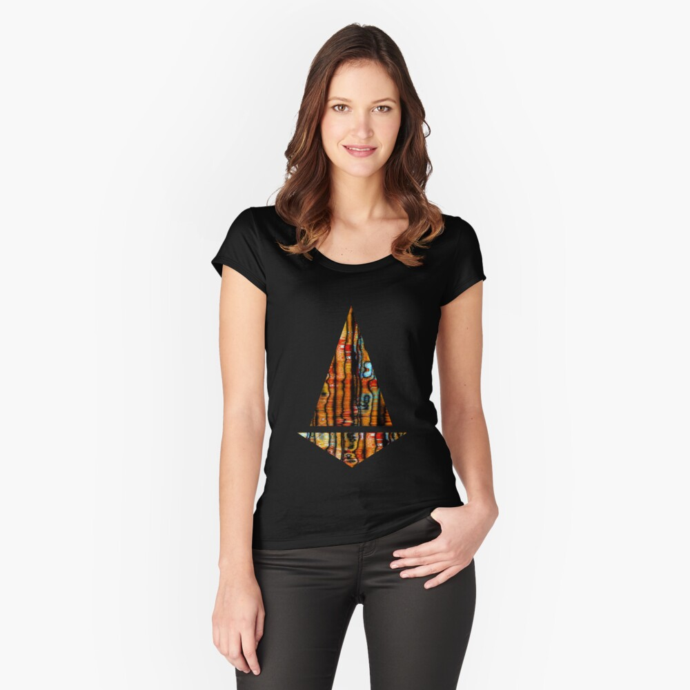 Utopia Women's Fitted Scoop T-Shirt Front