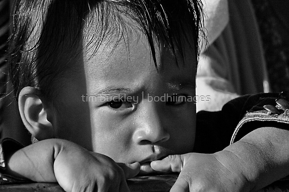 refugee child. north india by tim buckley | bodhiimages