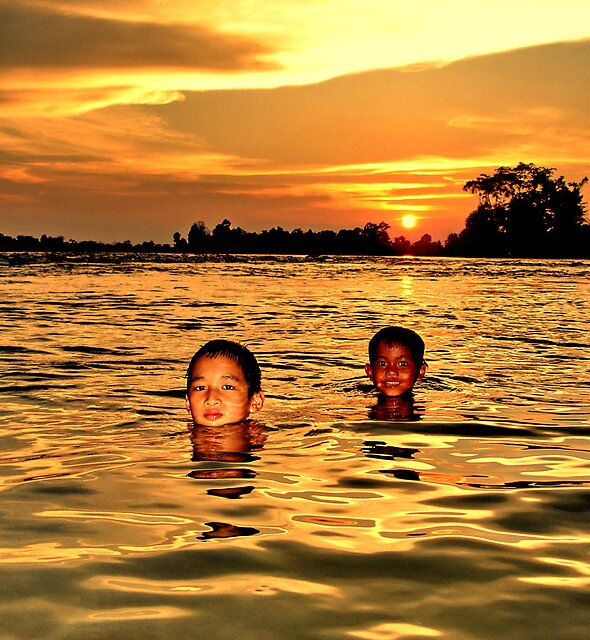 Mekong sunset by John Spies