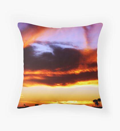 Red Centre Sunset Throw Pillow