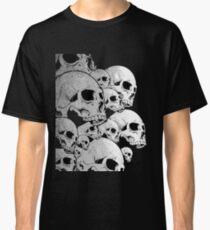 Skulls incoming - Left Classic T-Shirt
