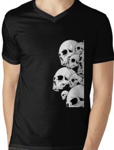 Skulls incoming - Right Mens V-Neck T-Shirt