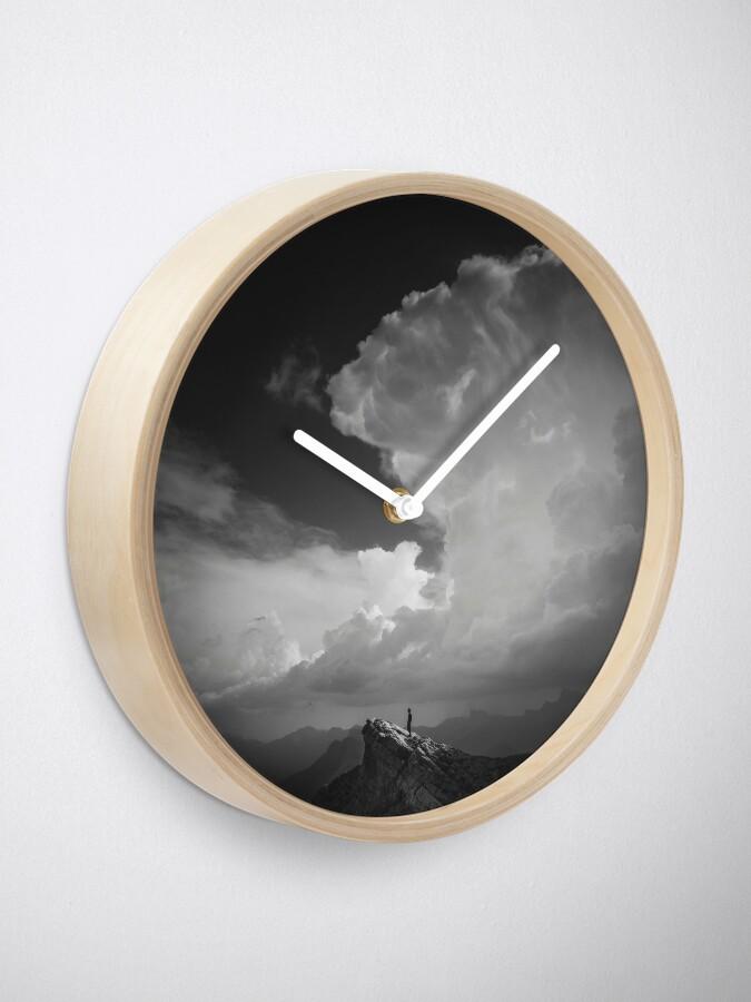 Horloge ''Alone': autre vue