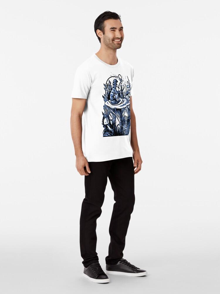 Alternative Ansicht von Alice und die Wasserpfeife rauchen Caterpillar - Alice im Wunderland Premium T-Shirt