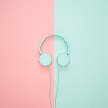Nice headphones by Free11