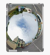 Glencolmcille - Biddy's Crossroads Pub(Sky-in) iPad Case/Skin