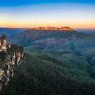 Three Sisters Sunrise View in Blue Mountains, Australia by Danielasphotos