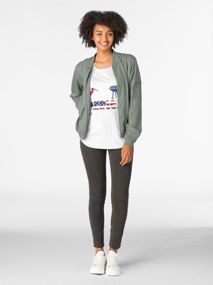 Vista alternativa de Camiseta premium de cuello ancho Curlew plus Barbeque Merica American Flag