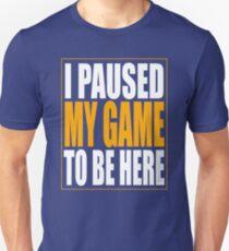 Camiseta ajustada Pausé mi juego