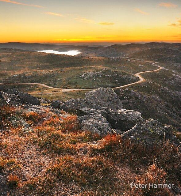 Rocky Valley dam by Peter Hammer