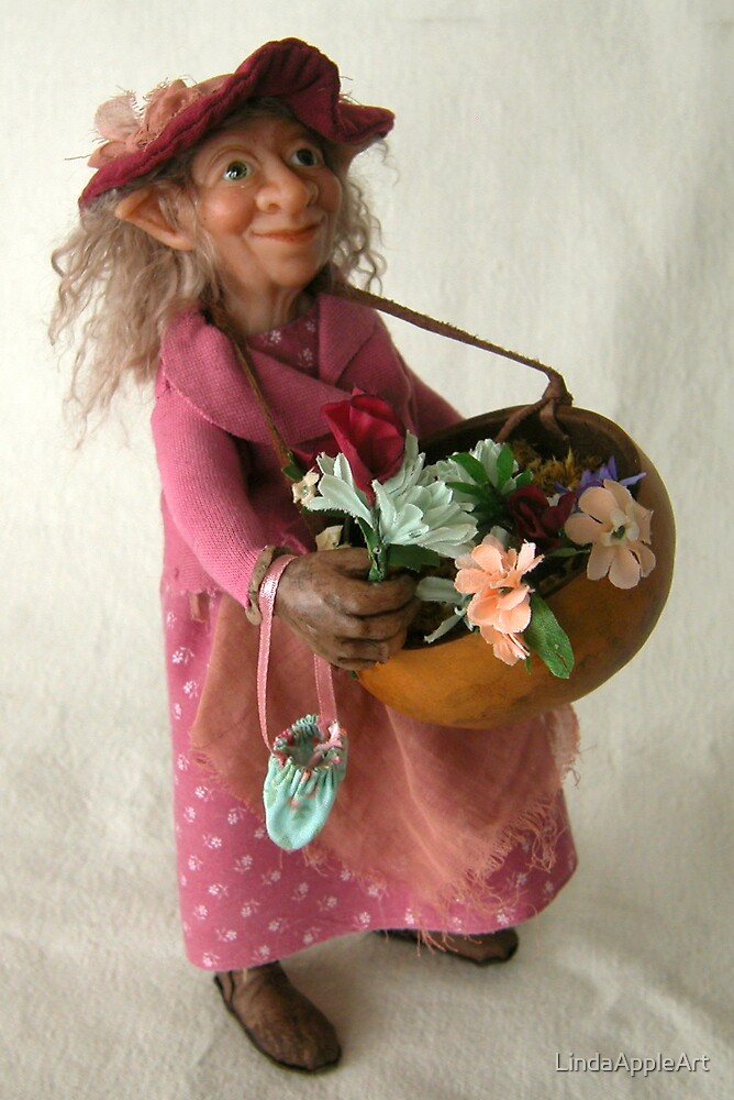 Fiona Mae Figgle - fantasy art doll sculpture by LindaAppleArt
