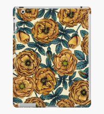 Roses or-jaunes - motif floral / botanique d'inspiration vintage Coque et skin adhésive iPad