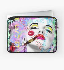 Marilyn Smoking Graffiti Laptoptasche