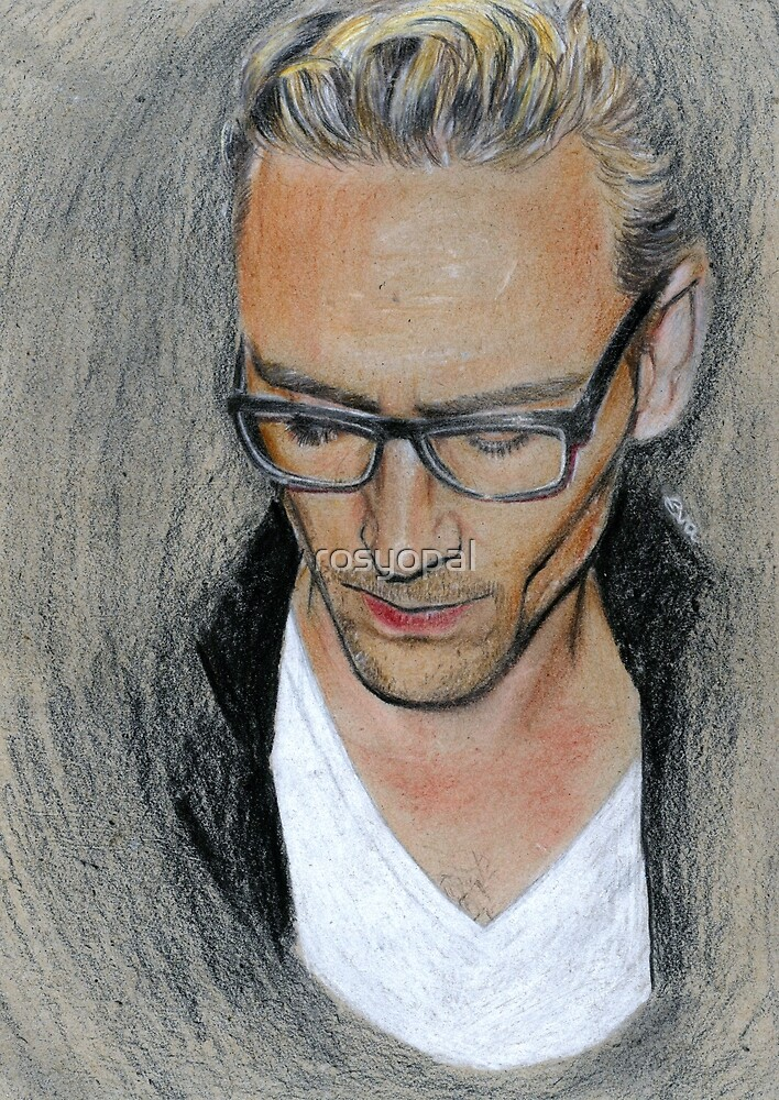 Tom Hiddleston by rosyopal