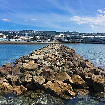 Sea Wall by urbanfragments