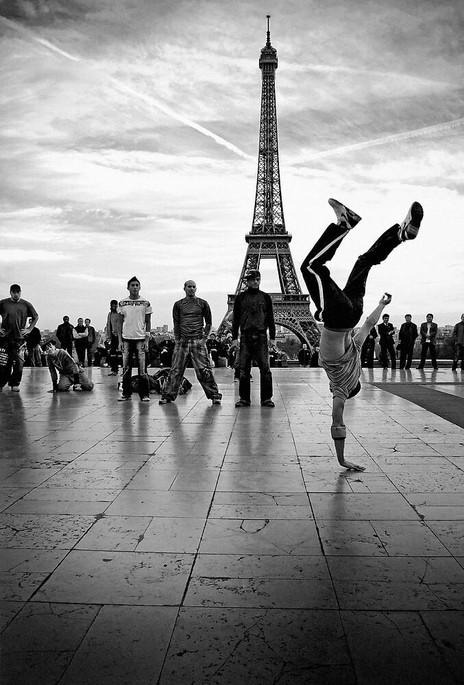 breaking paris by emohoc