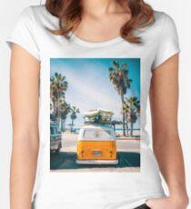 Combi van surfen Tailliertes Rundhals-Shirt
