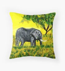 Elephant, elephant, éléphant, elefant. Floor Pillow