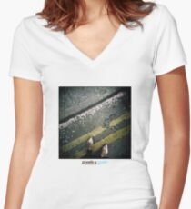 Holga Shoes Women's Fitted V-Neck T-Shirt