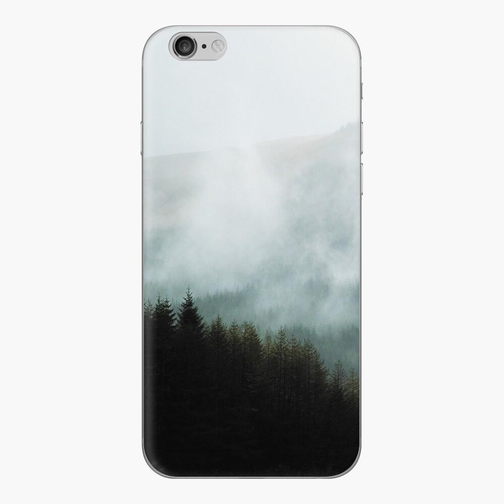 Skin (autocollant) iPhone «Brume hivernale dans les vallées»