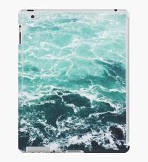 Blauer Ozean Sommer Strand Wellen iPad-Hülle & Skin