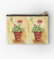 Why grow geraniums in containers? Studio Pouch