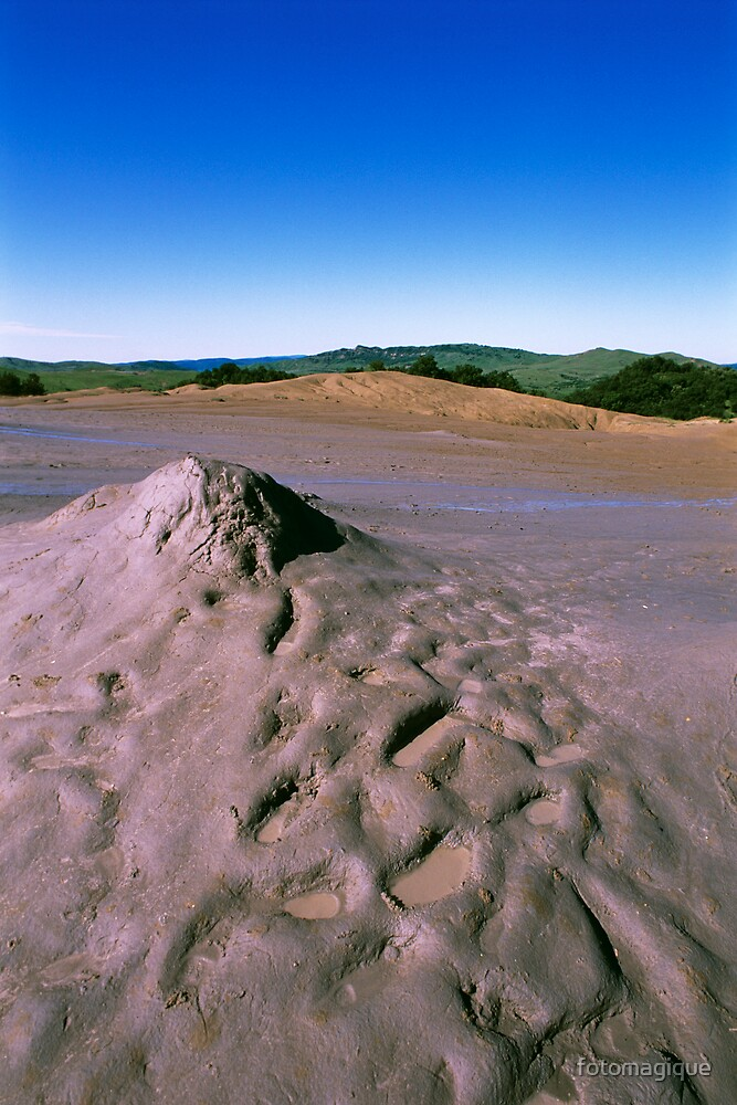 muddy volcanoes by fotomagique