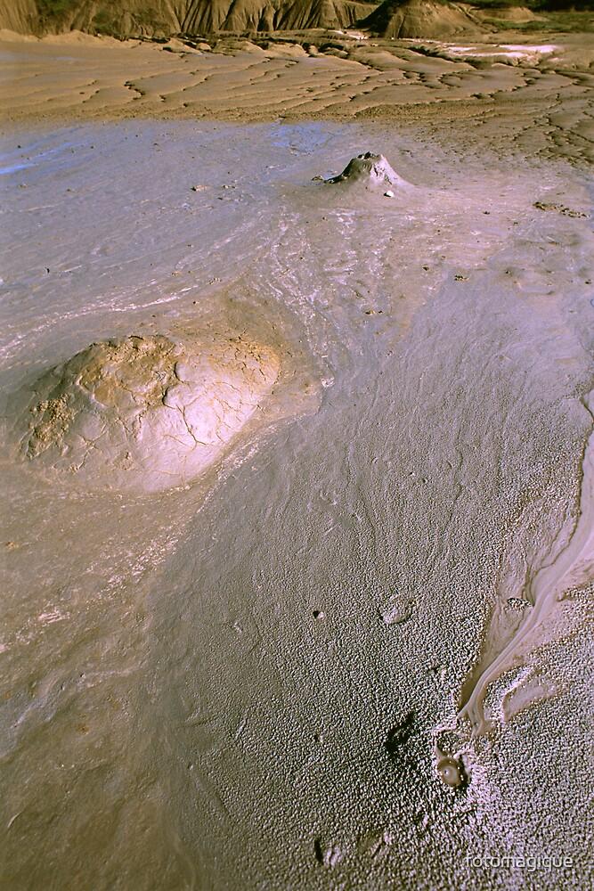 brown volcanoes by fotomagique