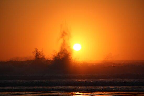 Sunset Splash by azhammock