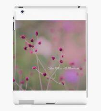 Niedliche kleine Wildblumen iPad-Hülle & Klebefolie
