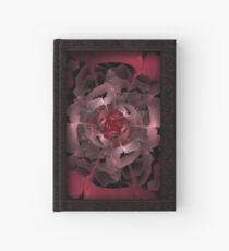 Abloom in lusciously Crimson-Red Blütenblätter einer Rose Notizbuch