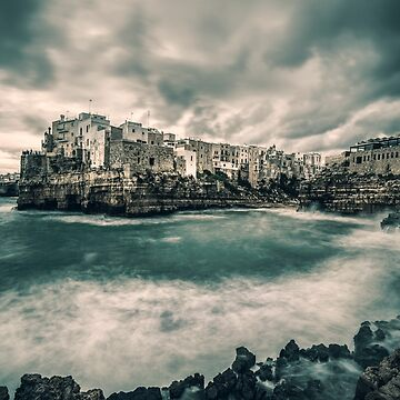 A view of Polignano a Mare, Italy by hayrettinsokmen