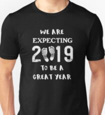 Pregnancy Reveal Baby Announcement New Year 2019 Unisex T-Shirt