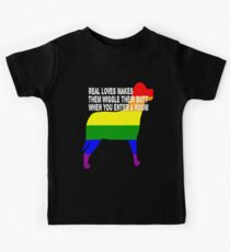 Dog Rainbow Gay Pride Flag Real Love Makes Them Wiggle Their Butt When You Enter A Room Kids Tee