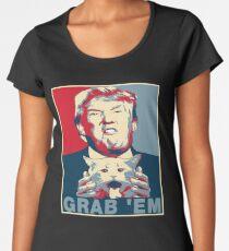 Camiseta premium para mujer Trump Grab Em Póster