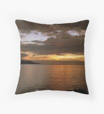 OMBRES CALEDONIENNES Throw Pillow