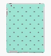 Space invaders G iPad Case/Skin