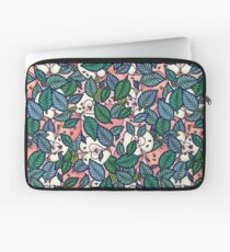 apple dream garden Laptop Sleeve