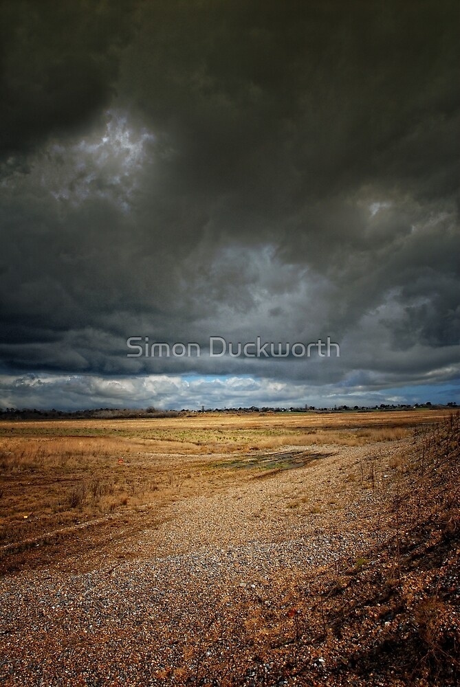 Storm Approaches by Simon Duckworth