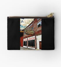 Bossier City Meets Lebanon, Missouri Zipper Pouch