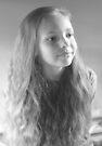 Hannah Porträt in Schwarz & Weiß von Evita