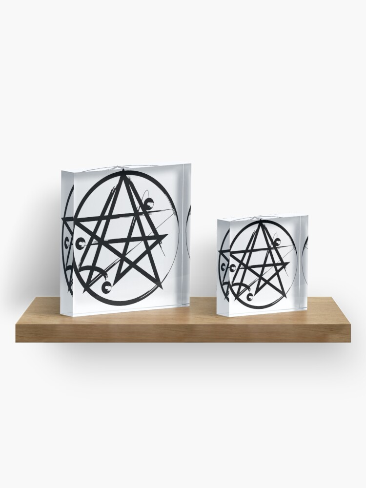 Alternate view of Hp Lovecraft Cultic Cthulu Symbol Acrylic Block