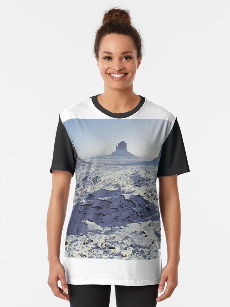 Alternate view of Monument Valley in the snow Graphic T-Shirt