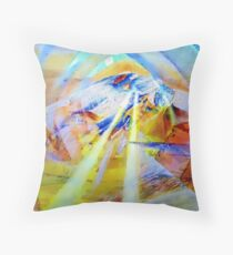 Vers le sommet Throw Pillow
