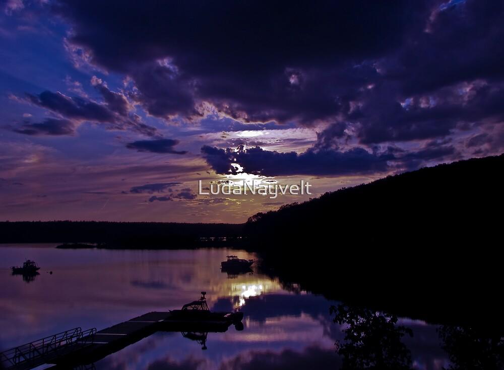 Peaceful Sunset   by LudaNayvelt